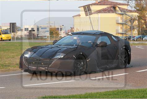 Vans California Abu Premium recordjaar voor 7 195 autoverkopen in 2011