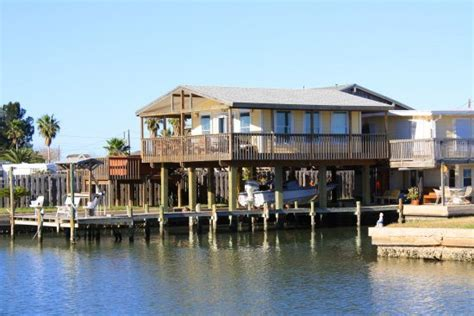 Cabins For Rent In Rockport Tx by Canal Front Vacation Rentals On Copano Bay Rockport
