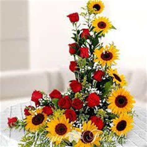 Bandana Karangan Bunga arreglo floral de gerberas y lirios ideal para regalar