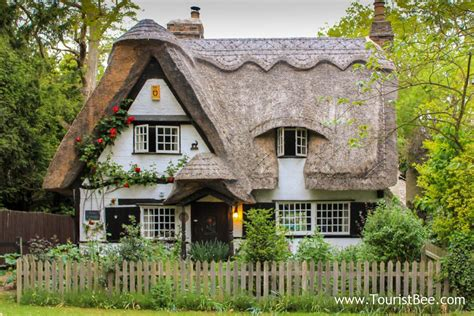country cottage 9 favorite and quaint country cottages touristbee