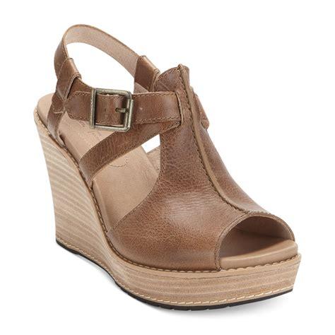 timberland womens danforth platform wedge sandals in brown