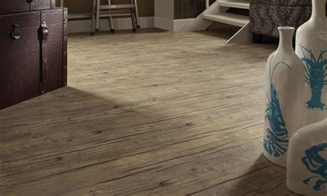 Loose Lay Vinyl Plank Flooring   Pros & Cons and Reviews