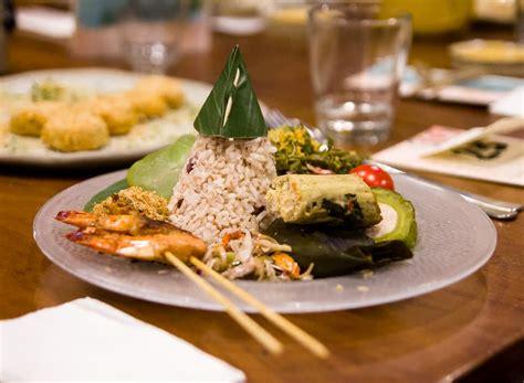Meja Makan Jakarta meja makan 1 saidjah adinda manual jakarta