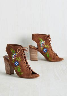 Monkey Toes Its All About The Shoes by 1000 Ideas About Shoes On Shoes Sport