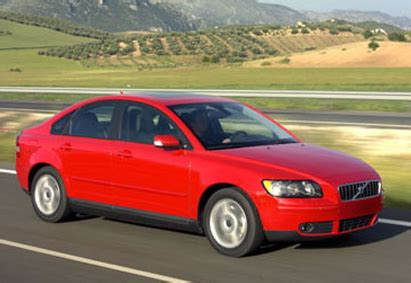 Vovlo S40 Review by Volvo S40 Review