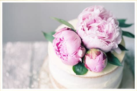 Wedding Cakes Flowers by 16 Fresh Flower Ideas For Wedding Cakes Ftd