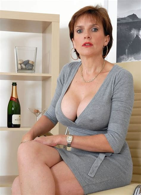 full figure milf pics tiny mom with big tits gets tight ilovesexygilfs i love sexy gilf lady sonia mature