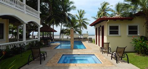 bedroom beachfront condo  sale jaco puntarenas
