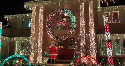 here are the best christmas lights to see near detroit