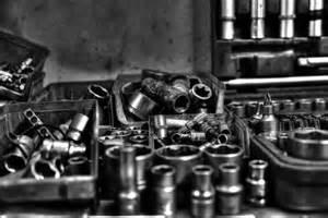 auto in werkstatt fotografieren in einer autowerkstatt