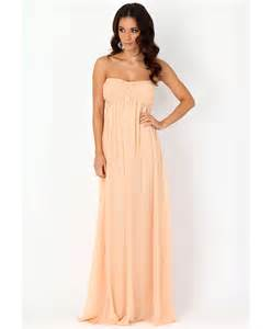 accessories to choose for strapless maxi dress