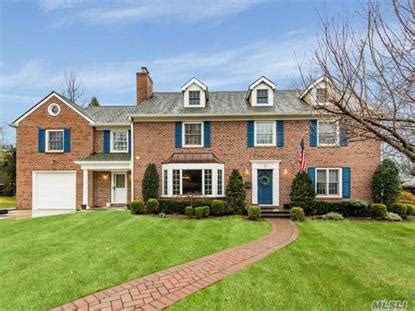 houses for sale in manhasset manhasset ny real estate homes for sale in manhasset new york weichert com