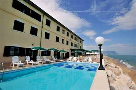 hotel porto recanati 2 stelle recensioni hotel il brigantino porto recanati 21