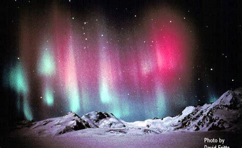 gambar cahaya aurora  menakjubkan  dunia satrya