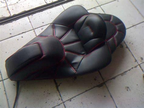 Sandaran Jok Motor Yamaha N Max 5 aksesoris yang bisa bikin yamaha n max semakin ganteng