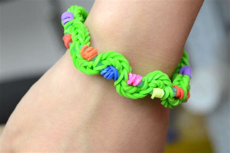 Cool Things To Make With Rubber Bands And Paper - how to make new twist rubber band bracelet by