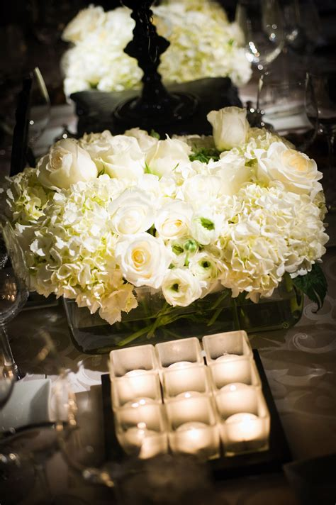 white roses centerpieces for weddings real stories a modern black and white wedding at the four