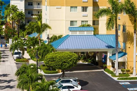 comfort suites and resort grand cayman comfort suites grand cayman cheap vacations packages red