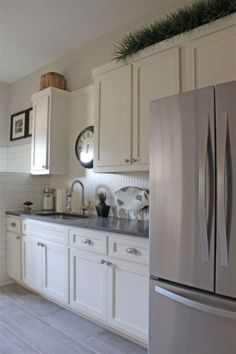 white beadboard kitchen cabinets white kitchen cabinets burrows cabinets central texas