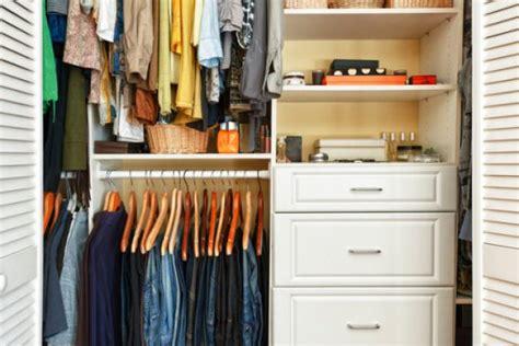 tarme armadio tarme e cotone nell armadio proteggere i vestiti