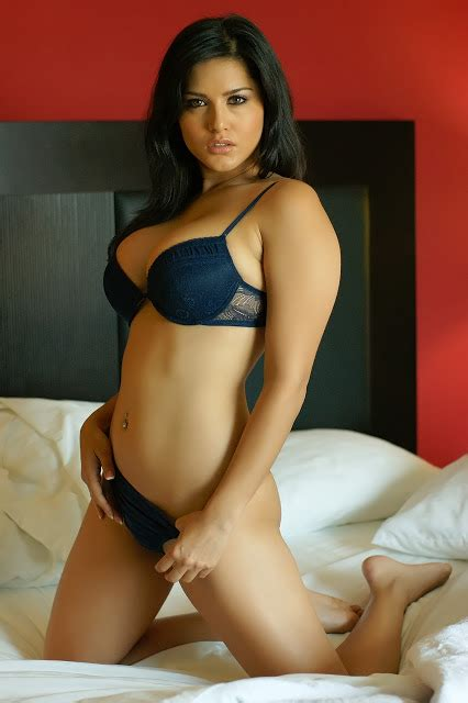 hollywood celebrities sunny leone sexy wallpapers