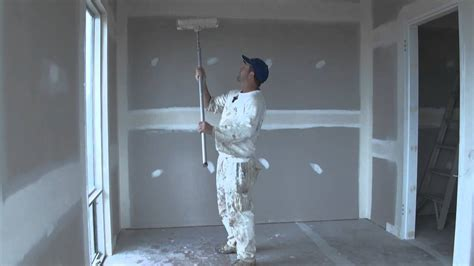 How To Paint A Ceiling With A Roller by Ceiling Painting Tip How To Paint A Ceiling With A Roller