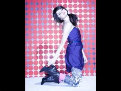 selena gomez kiss and tell instrumental/karaoke/lyrics