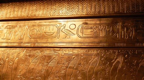 gold egyptian wallpaper egyptian hieroglyphics wallpapers wallpaper cave