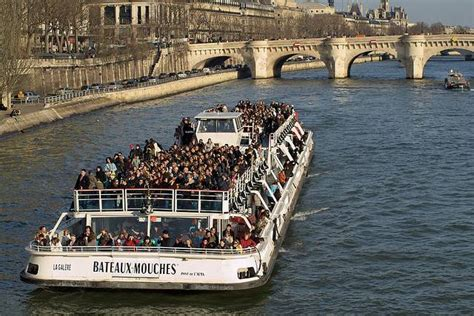 paris boat trip dinner boat trip on river seine practical information photos