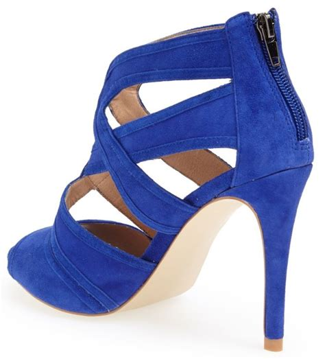Retail Detail Steve Madden Serves Up Frocks Second City Style Fashion by Shows Legs In Blue Suede 90 Shoes