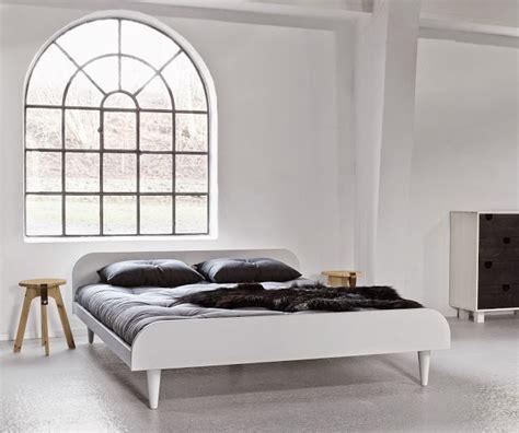 letto a legno bianco letto in legno twist bianco con testiera vivere zen