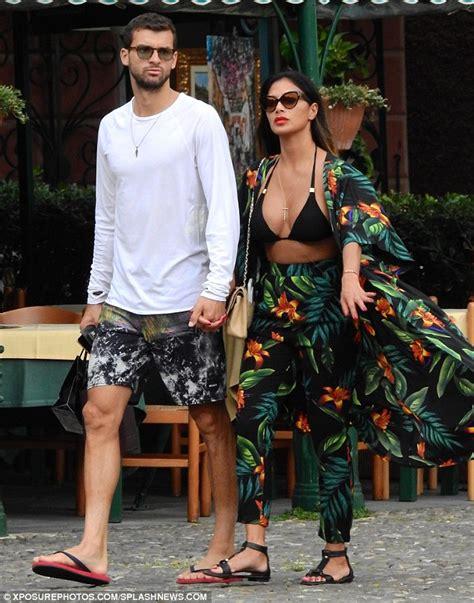 Scherzinger In Hawaii With New Boyfriend by Calvin Harris Tried To Woo Scherzinger After