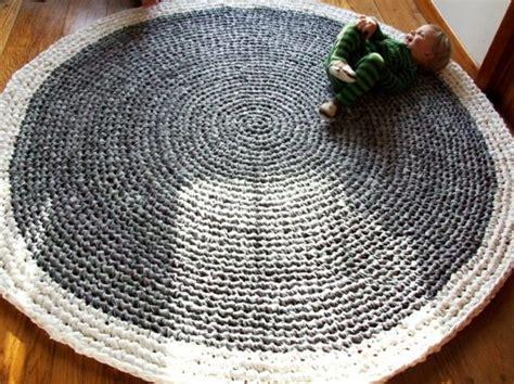 modern crochet home decor pictures popsugar home tricoter un tapis rond