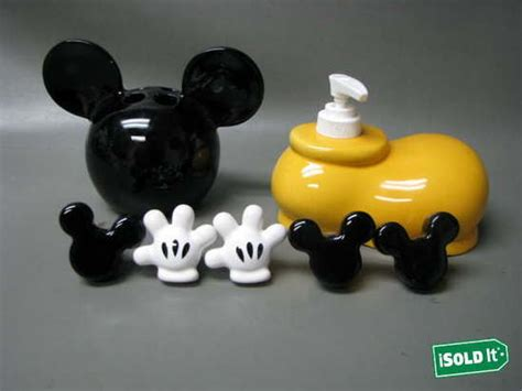 7 mickey mouse bathroom set w cabinet knobs