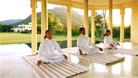 Ananda Detox In India by Ananda Spa Resorts Packages Rishikesh Reflexology