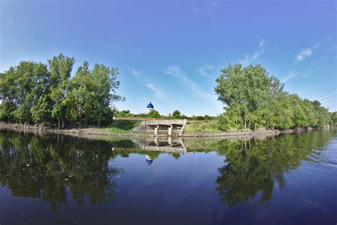 canoeing  park river  hartford matthew petroff