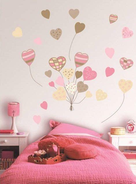 murales juveniles mujer dibujo de corazones en el cuarto de los ni 241 os