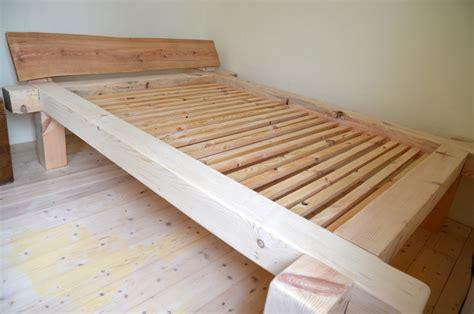 bett aus balken bett aus balken selbst bauen hochbett bauen so geht 180 s