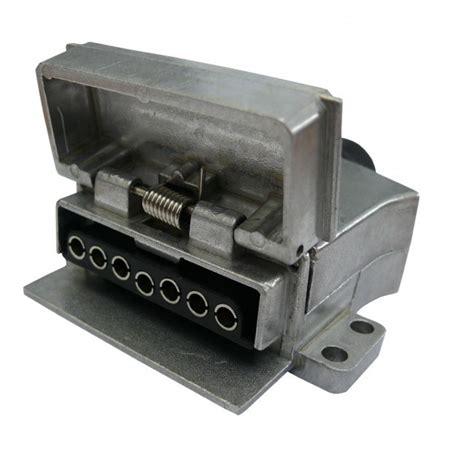 caravansplus 7 pin flat trailer socket alloy metal