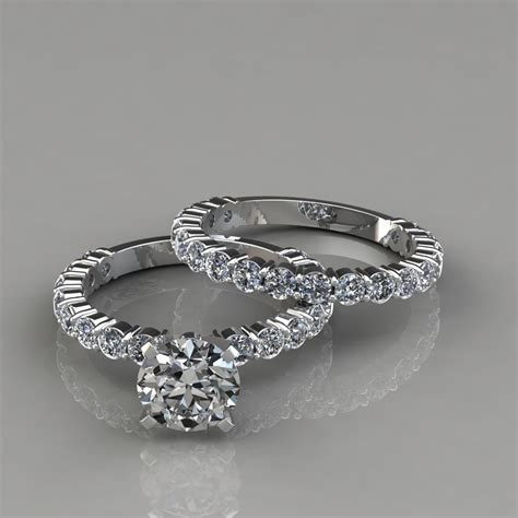 shared prong engagement ring and wedding band set