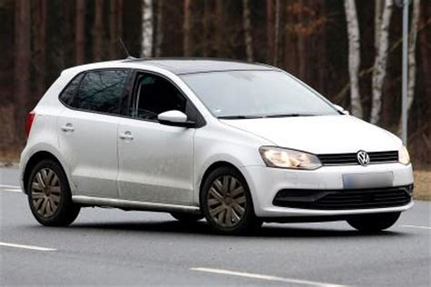 volkswagen polo 2014 facelift spied   auto express