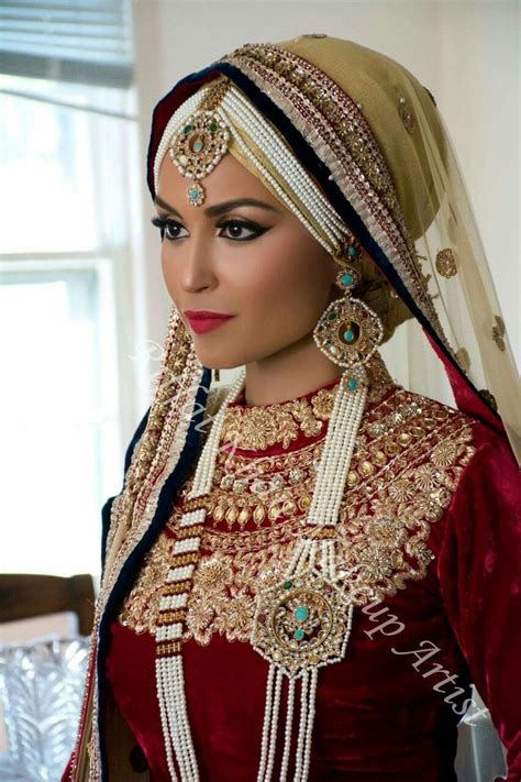 S2r Souvenir Pin Muslimah 850 best images about brides around the world on veils ideas and