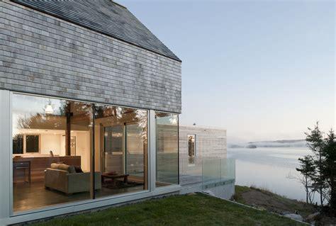 Long Narrow Floor Plans Cedar Shingles Cascading Down A Modern Courtyard House