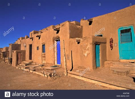 pueblo adobe houses taos pueblo native american community adobe homes taos new