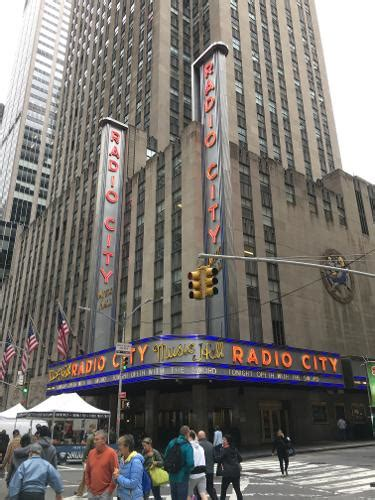 book radio city apartments new york from 105
