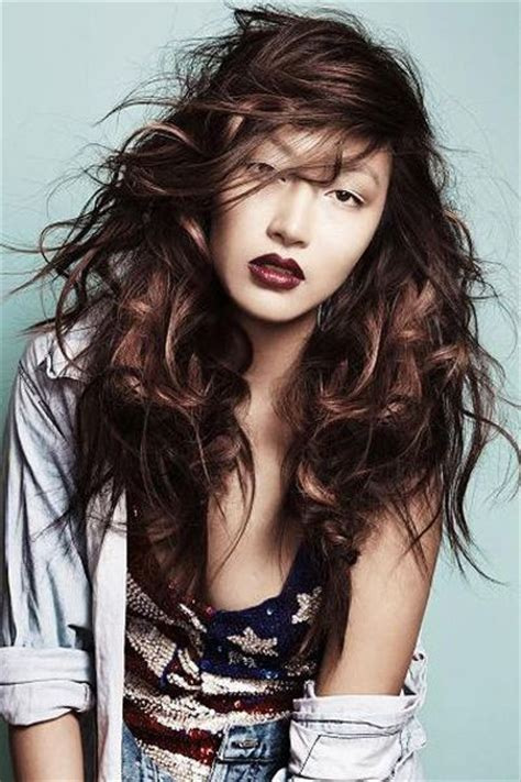 how to create messy hair with lots of volume sexy and messy long hairdo with lots of layers asian
