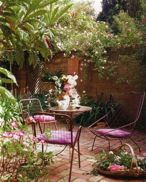 best 25 small courtyard gardens ideas on pinterest small courtyards small patio gardens and
