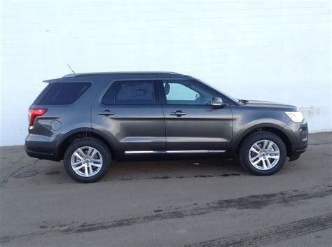 New 2018 Ford Explorer by New 2018 Ford Explorer Xlt 4wd With Power Liftgate Xlt