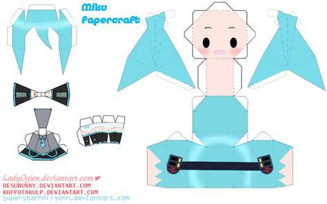Miku Hatsune Papercraft - miku hatsune papercraft by ladyogien on deviantart