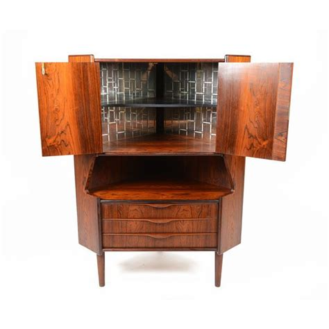 Retro Bar Cabinet Impressive Vintage Bar Cabinet 5 Vintage Cabinet Bar Bars And Bar Accessories Pinterest